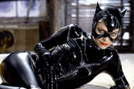 Sexy-Superhero_michelle-pfeiffer-catwoman-in-batman-returns