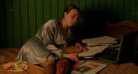 Dans-ma-peau_Marina-De-Van-s'-In-My-Skin-2002-movie-(4)
