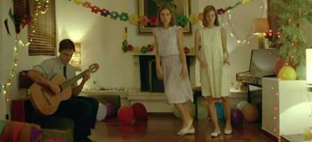 DogTooth-2009-movie-Yorgos-Lanthimos-(2)