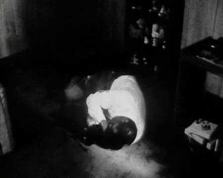 SHORT-FILM---NIGHT-OF-THE-LIVING-BREAD-(1990).mp4.0016