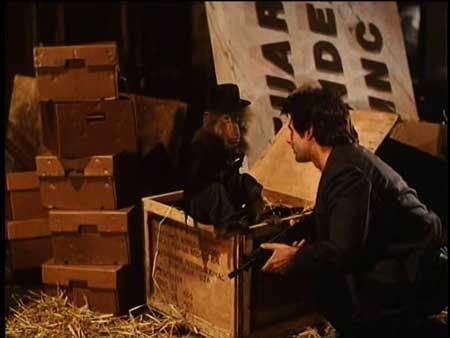 Sgt.-Kabukiman-N.Y.P.D-1998-movie-Lloyd-Kaufman-(12)