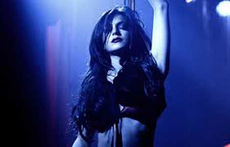 strippers-in-horror-I-know-who-killed-me