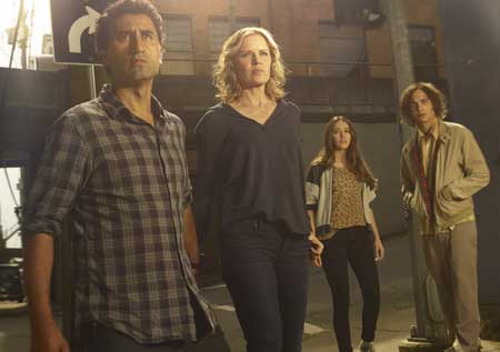 fear-the-walking-dead-season-1-TV-Series-(4)