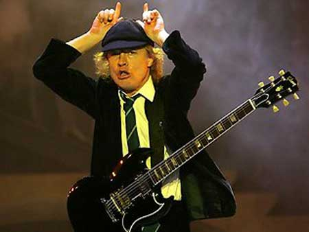 344498-ac-dc-angus-young