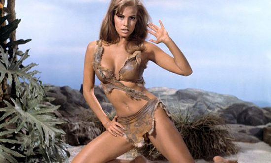 Raquel Welch: Hottest Sexiest Photo Collection
