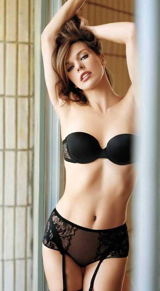 Milla Jovovich Hot