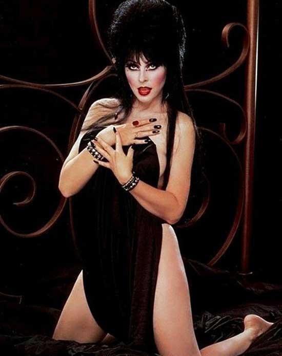 eLVIRA-cassandra-peterson-hottest-sexiest-photo-collection-images-2