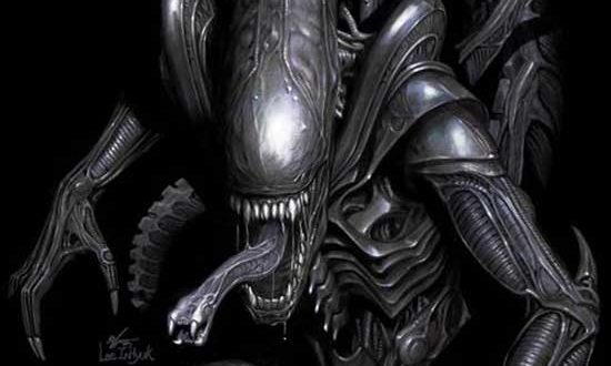 A CINEMATIC HORROR ICON MAKES ITS MARVEL COMICS DEBUT IN THE ALIEN #1 TRAILER!